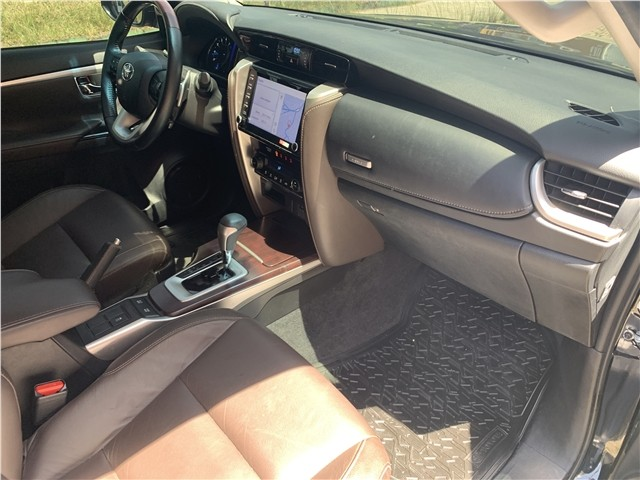 Toyota Hilux sw4 2020 2.7 srv 7 lugares 4x2 16v flex 4p automático - Foto 11