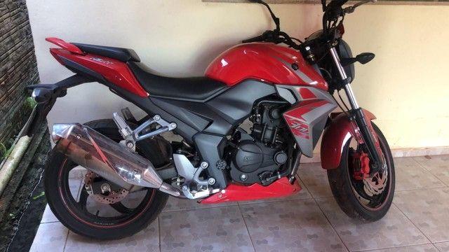 Vendo moto 300 cc ano 2019