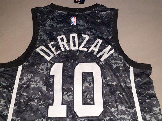 Camisa NBA San Antonio Spurs 20/21 DEROZAN 10 - Foto 5