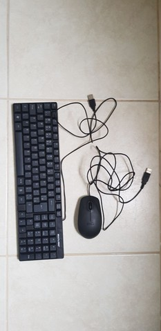 Teclado Multilaser 41X12 e mouse Dell