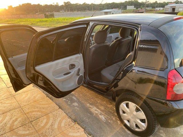 Renault Clio HATCH  1.0 16v.Flex 4p manual  Ano 2009 modelo 2010 Gasolina e álcool  preto  - Foto 10