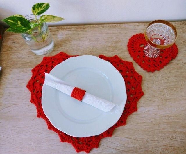 Mesa posta dia das mães/ Sousplat e descanso de copo coração em crochê