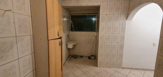 Casa térrea com 2/4, sendo uma suíte em Itapuã, próximo à Av. Dorival Caymmi. - Foto 16