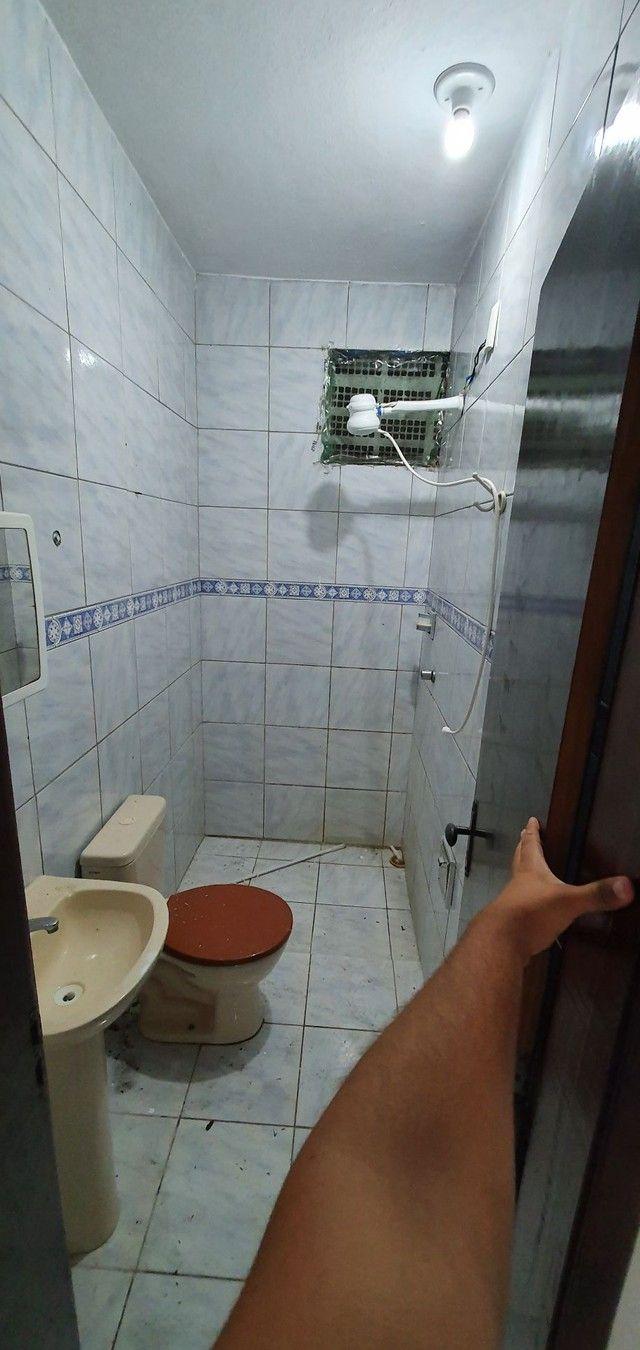 Casa térrea com 2/4, sendo uma suíte em Itapuã, próximo à Av. Dorival Caymmi. - Foto 10