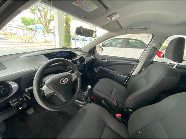 Toyota Etios HB X  - Foto 5