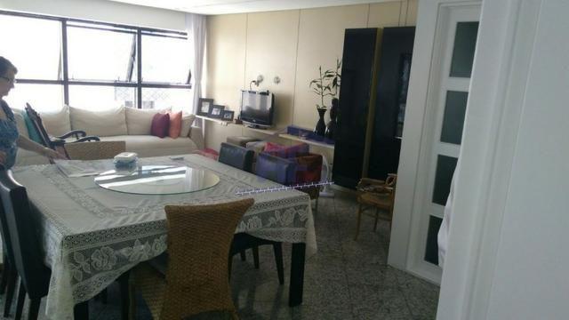 Apartamento totalmente nascente - Edifício Hermitage - Ponta Verde