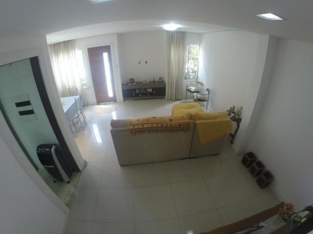 Casa com 3/4 - Cond. Village Itapuã