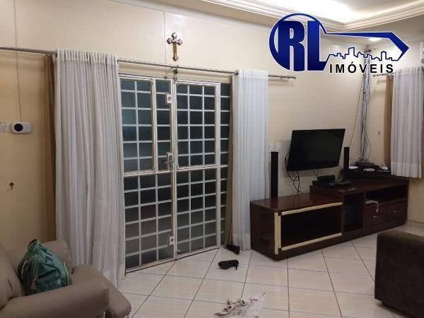 Vende 01 excelente Residência na Rua Edmur Oliva nº43, Bairro: 31 de Março - Foto 13