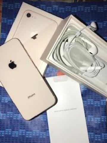 Vendo iPhone 8 64g impecável