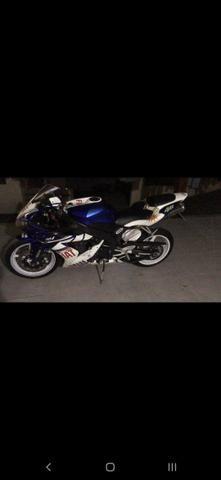 Yamaha r1 - Foto 4