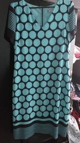 Vestido de bolinha azul