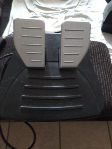 Volante Saitek PC e consoles - Foto 3