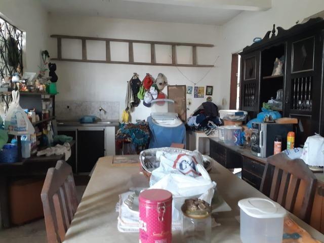 Casa na Av Waldir Diogo com 05 quartos e garagem pra 4 carros. Excelente imóvel - Foto 6