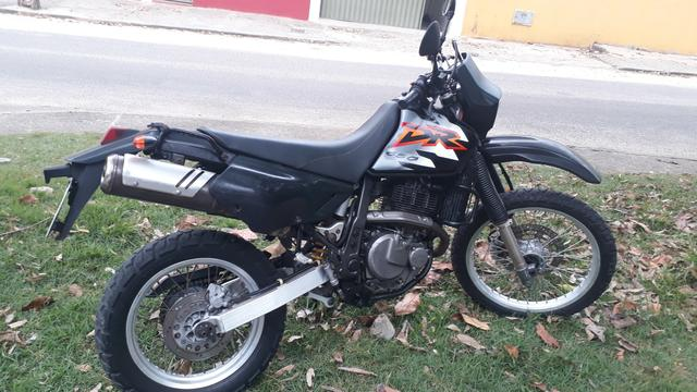 Vendo moto suzuki DR 650 Re - Foto 3