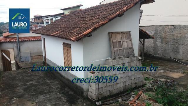 Área com 02 casas construídas, área do terreno com 220 m² no Bairro Funcionários - Foto 15