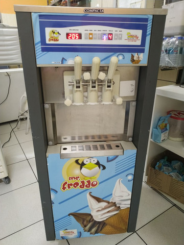 Máquina de sorvete soft