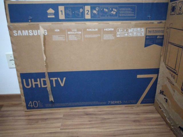 (PARA RETIRADA DE PEÇAS) Smart TV Samsung Crystal 7 Series, 40 Polegadas - Foto 4