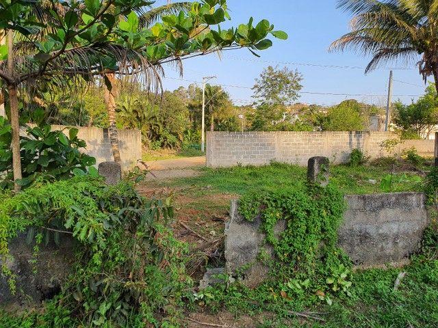 Lote de esquina murado escriturado 450m² em Perocão  - Foto 7