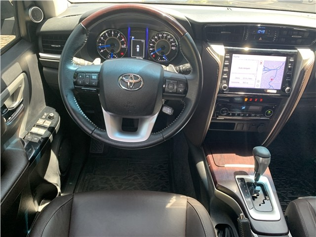 Toyota Hilux sw4 2020 2.7 srv 7 lugares 4x2 16v flex 4p automático - Foto 9
