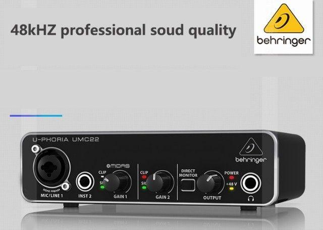 Interface de Áudio Behringer UMC22 na caixa com manual e cabo + 1 ano de garantia - Foto 2