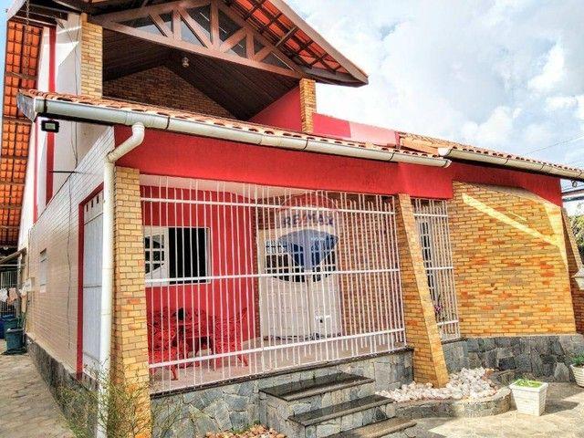Casa no Catolé, com 340m², 5 quartos, sendo 3 suítes e 4 salas. - Foto 3