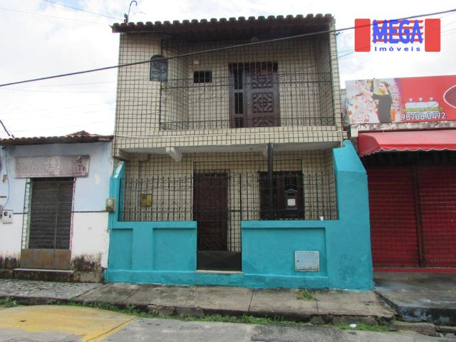 Casa com 2 quartos próximo a Av. Sargento Hermínio Sampaio