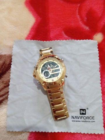 Vendo relógio marca NAVIFORCE.