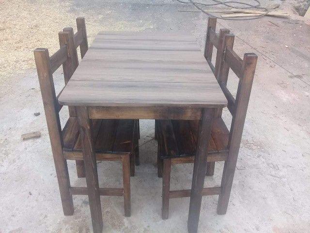 Jogo de mesa casa e comércio c/ 4 cadeiras, eucalipto. Envernizada, com garantia. Entrego. - Foto 5
