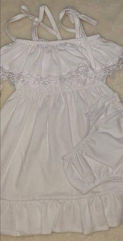 Vestido branco infantil. - Foto 2