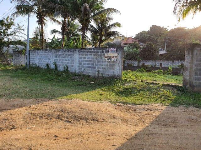 Lote de esquina murado escriturado 450m² em Perocão  - Foto 5