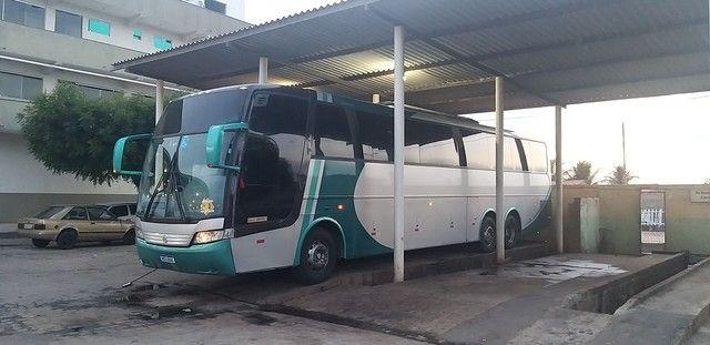 Vendo e troco em ônibus mais novo ou van carro de parceio - Foto 5