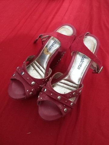 Vendo sandálias e sapatos 37 de 5 a 15 reais  - Foto 3
