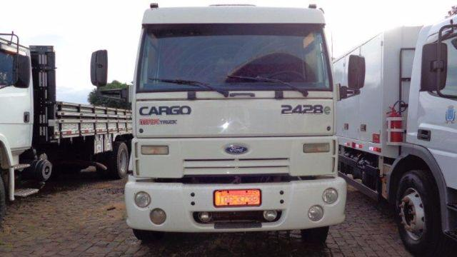 CARGO 2428 NO CHASSIS
