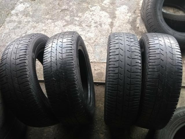 Vendo 4 pneus 165/70/13 riscados
