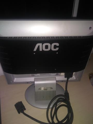Tela LCD e caixinha de som