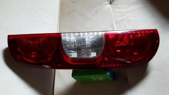 Lanterna traseira Doblo 10/17 Le - Foto 2