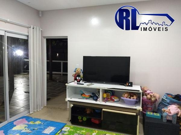 Vende 01 excelente Residência na Rua Edmur Oliva nº43, Bairro: 31 de Março - Foto 6