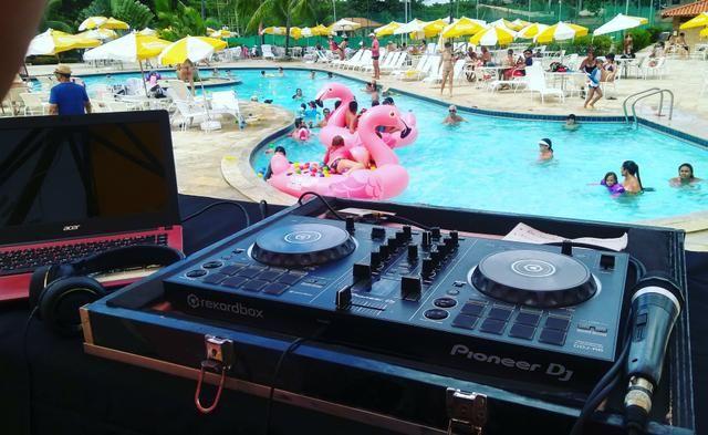 DJ -som
