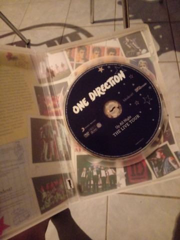 DVD ONE DIRECTION - UP ALL NIGHT THE LIVE TOUR - Foto 3