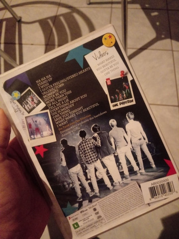 DVD ONE DIRECTION - UP ALL NIGHT THE LIVE TOUR - Foto 2