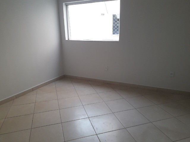 Aluga-se apartamento (tamanho casa). Condomínio incluso - Foto 3