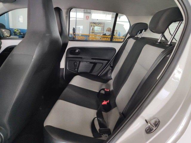 VW Up Take 2015 - 4 portas e completo - Foto 6