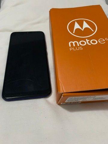 Motorola e6 plus - tela levemente trincada - Foto 2