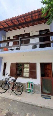 Financia: Casa 2 Qts em Itaúna, a 200 m. do mar