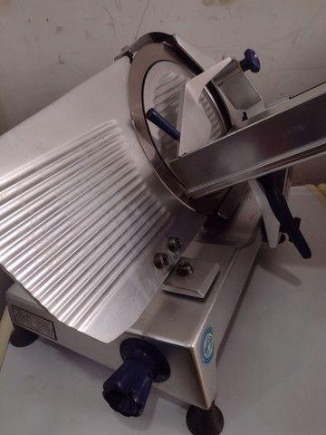 Fatiador de frios gural lâmina 33 semi automático - Foto 6