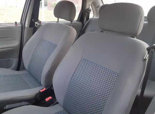 Carro Chevrolet Classic Sedan vhce 2011 preto, ipva pago 2021 - Foto 9