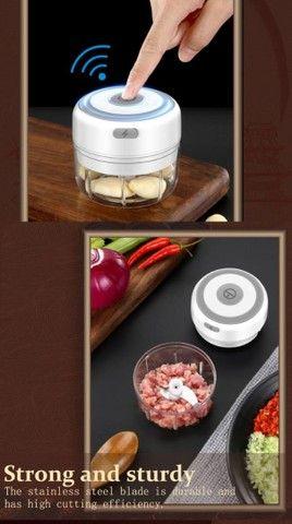 Triturador elétrico para frutas e legumes - resistência, qualidade para sua cozinha - Foto 3