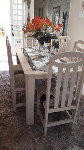vendo mesa de vidro com 6 cadeiras, balcão e aparador  - Foto 2