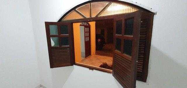 Casa térrea com 2/4, sendo uma suíte em Itapuã, próximo à Av. Dorival Caymmi. - Foto 11