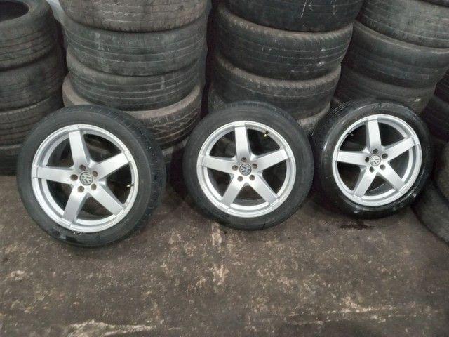 Vendo jogo de rodão.5×100 com pneus 215/50/R17